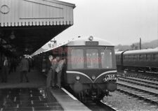 PHOTO  DMU 3 CAR SUBURBAN SET AFTER ARRIVAL AT ABERDARE (LOW LEVEL) STATION WITH