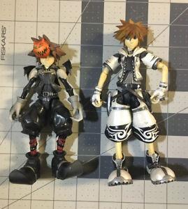 Play Arts SORA Lot of 2 Loose Figures Kingdom Hearts Halloween & Final Form