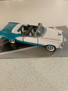 1/43 Franklin Mint 1956 Oldsmobile Starfire Convertible Turqoise & White Nice
