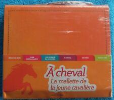 EQUITATION / A CHEVAL LA MALLETTE DE LA JEUNE CAVALIERE - BAYARD JEUNESSE - NEUF