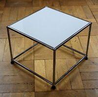 * USM Haller Beistelltisch TV-Ständer Tisch 50x50 * Lichtgrau Grau * TV Möbel *