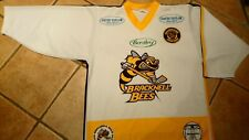 *RARE* authentic BRACKNELL BEES hockey jersey team signed M. Champions patch.