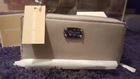 NEW Michael Kors Original Soft Leather MK Silver Jet Set Zip Travel Wallet