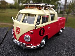 Volkswagen bus combi T1 pick up avec rack de toit echelle 1/24, longueur 18cm