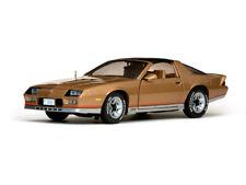 1:18 Chevrolet Camaro 1982 1/18 • SUNSTAR 1930