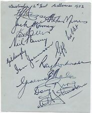 1952 AUSTRALIAN CRICKET TEAM, HAND SIGNED AUTOGRAPH PAGE - 12 AUTOGRAPHS