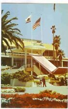 HOLLYWOOD PARK, THE FAMOUS FLOWERS AND LANDSCAPING BY THE CLUBHOUSE POSTCARD