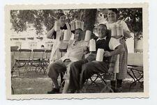 Foto Bayern 1934 Biergarten Bierkrug Bier Humpen Miesbach Brauerei zwei Männer
