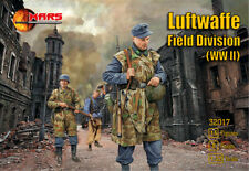 Mars 32017. German Luftwaffe Field Division WWII. Plastic 1/32 Scale Figures