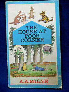 The House at Pooh Corner Vintage Paperback A. A. MILNE 1966 edition E. H SHEPARD
