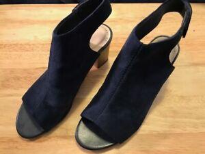 Clarks Collection Deva Bell Suede Blocked Heeled Sandals Women's 7 M Navy 7M ~