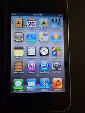 Apple iPod Touch 3rd Generation (32 GB) Includes Light Purple Case