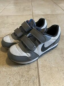 Boys Nike Size 1.5 Shoes With Straps
