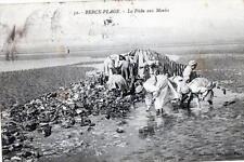 CPA 62 BERCK PLAGE LA PECHE AUX MOULES  (METIERS DE LA MER