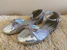 8fce7c1948647 girls silver sandals.size uk 8 eur 26 strappy flat heeled sequins boxed  ladybird