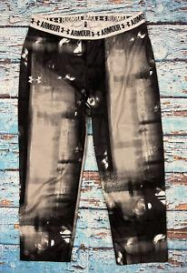Womens UNDER ARMOUR Leggings Medium Capri Cropped Compression Black And White
