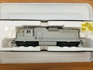 Atlas Ho Scale Locomotive DC, DCC Ready  7900 SD-26 Undecorated New Old Stock .