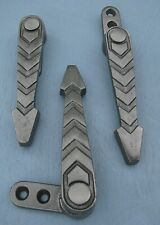 30 (+ MORE). HEAVY, ZIG-ZAG CAST IRON STAIR CARPET CLIPS. GRIPS. GRIPPERS.