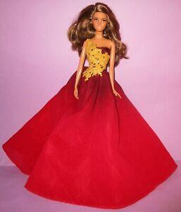 Barbie Happy Holidays 2016 Hispanic Brunette Peace Love Hope Model Muse Doll
