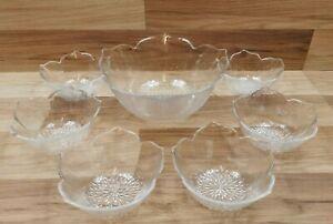Vintage 7 Piece Arcoroc Clear Glass Flower Shaped Salad / Dessert Bowl Set