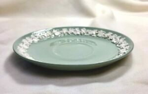 "WEDGWOOD EMBOSSED Queensware SAUCER White on Green 6-1/2"" ENGLAND"