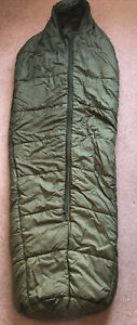 BRITISH ARMY ARTIC SLEEPING BAG. MEDIUM. PRE-OWNED.