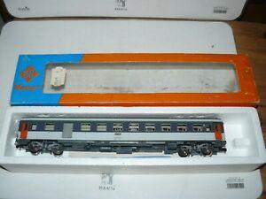 train électrique SNCF Ho ROCO fourgon corail ref 4223A en BO