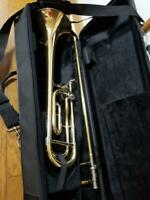 YAMAHA YSL-882 Trombone Two mouthpieces Semi-hard case included used in Japan