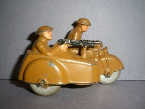 BARCLAY, MANOIL, GREY IRON  LEAD TOY SOLDIER ON MOTORCYCLE W/ SIDECAR  (B152) !!