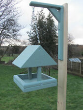 Tavolo da appendere Bird Feeder C/W TETTO Hand Made UK. solido legno Scelta Di Colore