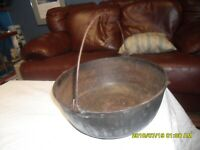 Vintage  ANTIQUE Cast Iron 5 Qt Dutch Oven Stock Pot Round Roaster COOKING POT