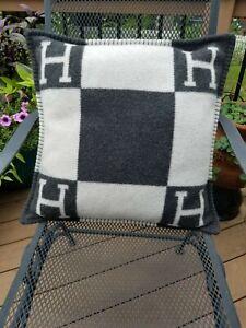 Hermes Avalon Wool Cashmere H Pillow Ecru Gris Fonce 20x20