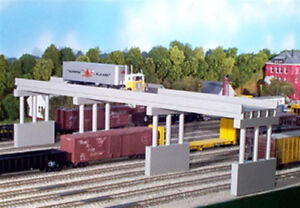 Rix Products - MODERN 150' HIGHWAY OVERPASS WITH PIERS Kit N Scale 628-0163