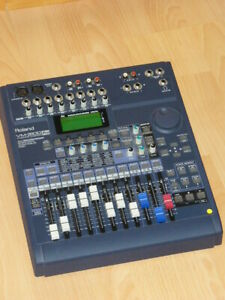 Mixer ROLAND VM - 3100 Pro
