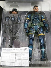 Metal Gear Solid V SNAKE METALLIC Ver. PLAY ARTS Action Figure KAI, Square Enix