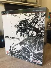 Metal Gear Rising Revengeance-Limited-PS3 Play Arts Kai Raiden Figur & Spiel