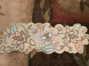 PIER 1 IMPORTS BEADED FLORAL TABLE RUNNER GORGEOUS BRAND NEW FREE SHIP!