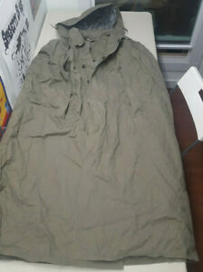 $1 Auction SG 52 Men's Military Hooded Rain Cape Green Arm Pit to Arm Pit 25 in