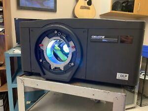 Christie HD6K-M Projector M2.1, DLP, 1080P, 118-012104-02, 2x LAMPS