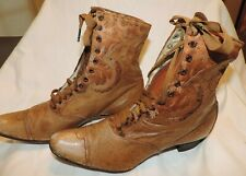 Vintage Ladies High Top Green Wheeler Shoe Co Fort Dodge Ia Leather & Fabric