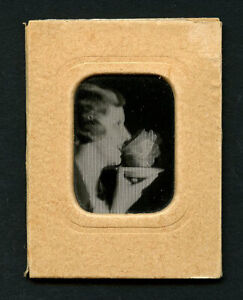 French 1920s Lenticular WOMAN + CUP Animated WIGGLE Drinking ~ VASTA Archive