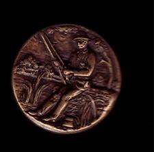 pin's relief 3D en metal Bronze vieiili peche fishing Corner TW&W