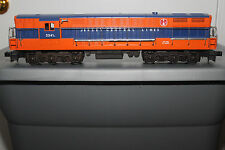 LIONEL POST WAR SERIES 2341 JERSEY CENTRAL LINES FM TRAINMASTER LOCOMOTIVE