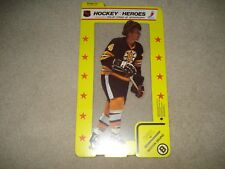 1975 NHLPA Hockey Heroes Stand-Up Boston Bruins HOF Bobby Orr Cellophane wrappe
