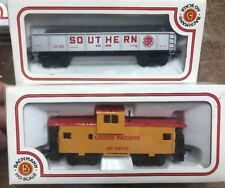 Bachman HO Scale Electric Train Cars Lot of 2