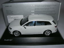 Spark Audi Q7 Q 7 Glacier White Glacier White, 1:43 Article 501 14 076 23
