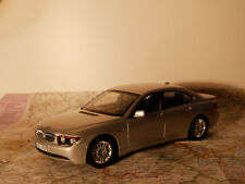 KYOSHO BMW 7-ER ART. 80430027858 SILBER  BWM - DEALER- VERSION + BOX  1:18  NEW