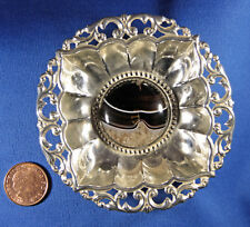 Petit percé argent Pin Plat Avec Rond Agate Cabochon centre, Birmingham 1904