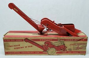 Vintage Carter Tru-Scale 2 Row Mounted Corn Picker with Box 1/16 Scale Farm Toy