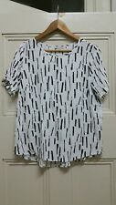 TARGET COLLECTION Black On White Brushstrokes Top Size 14